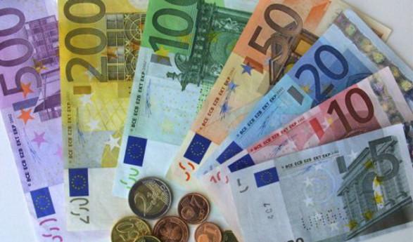El gobierno del PSOE e IU aprueba con 'agosticidad' una farsa de presupuestos