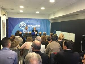 Encuentro de Carlos Izquierdo con afiliados y simpatizantes de la sede del PP de Leganés