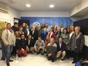 Foto de grupo con el Consejero de Políticas Sociales de la Comunidad de Madrid, Carlos Izqueirdo