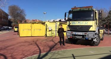 El SUMA 112 forma a los alumnos del instituto Luís Vives en el uso de desfibriladores