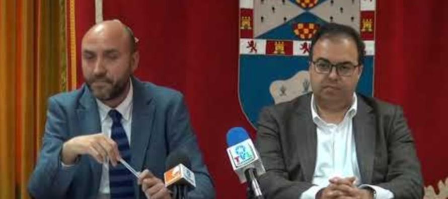 Atentado a la democracia del alcalde socialista Llorente: ordena a la Policía echar del pleno a los ediles de la oposición