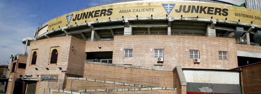 Recuenco pide una reunión urgente al socialista Llorente para tratar el cierre inmediato de los bares de La Cubierta