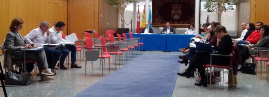El alcalde socialista Llorente impone una subida del IBI en un pleno a puerta cerrada y con la ausencia de la oposición