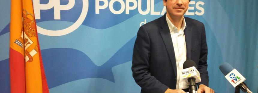 El PP no renuncia a controlar al Gobierno socialista y presenta de nuevo las mociones vetadas por Llorente
