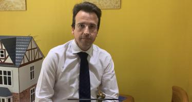 "Llorente: un alcalde en ""guerra"""